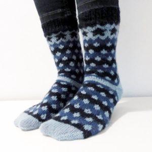 - Socken/Puschen